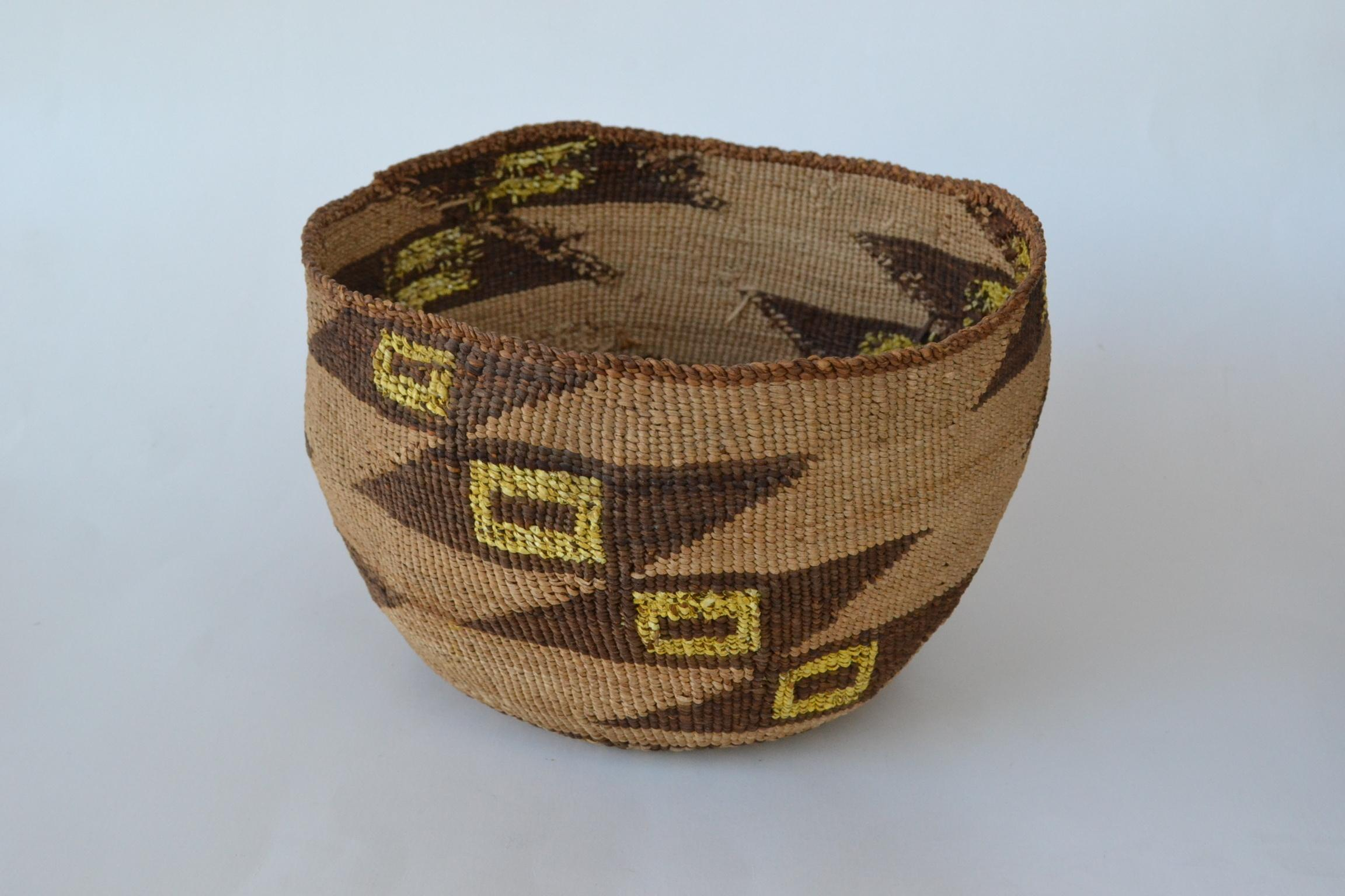 vintage indian baskets for sale large klamath modoc woven basket