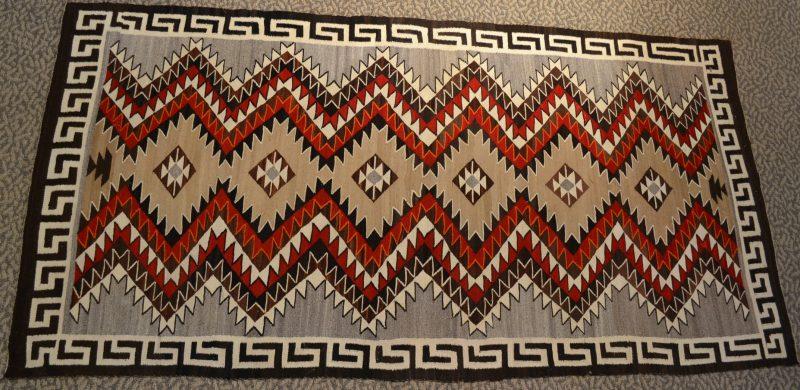 native american navajo red mesa transitional rug circa 1910-1920