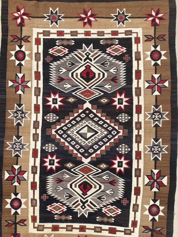 An exceptional Navajo Bisti Rug, This piece is in excellent and displays well. Would make a great addition to any collection. Approximately 1920s