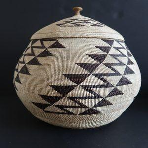 Northwest Coast Hupa Karuk Lidded Basket